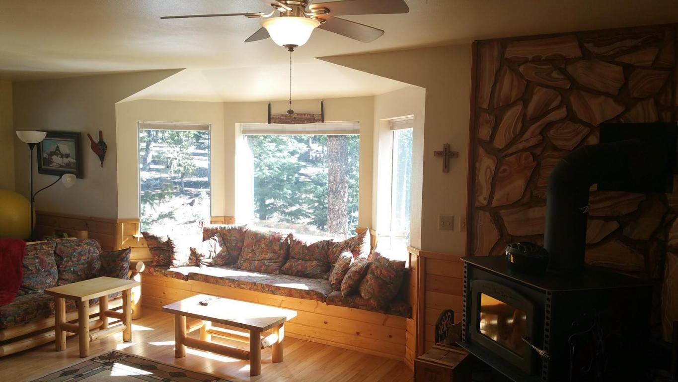 Cabin for sale in Southern Utah bordering National Forest, Duck Creek Utah Real Estate