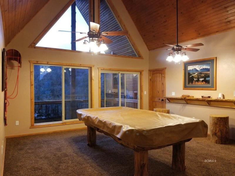 Beautifully Appointed Cabin for sale in Elk Ridge Estates